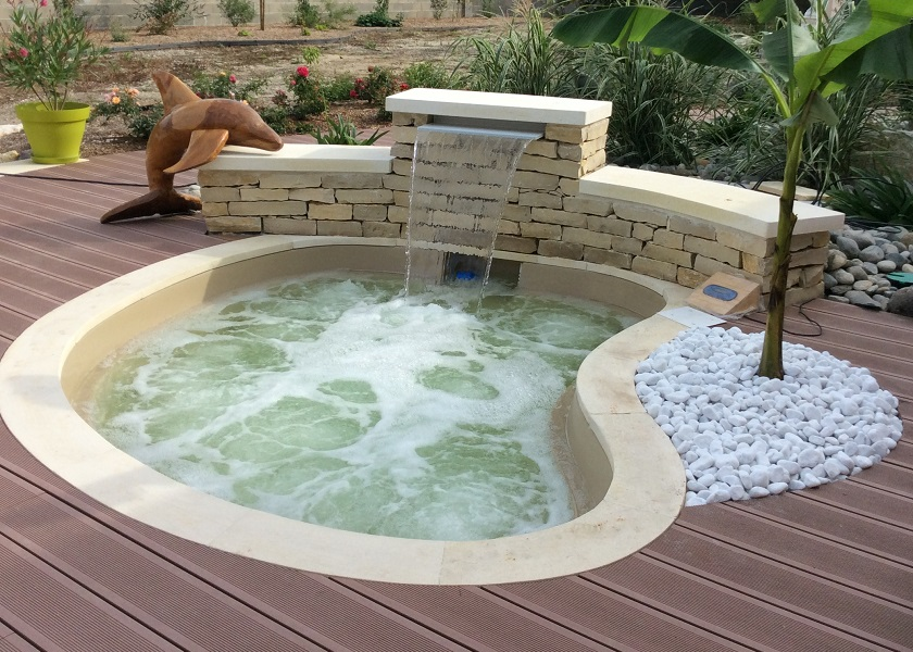 Equali spa nature d 39 ext rieur for Prix jacuzzi exterieur